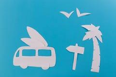voiture de ressac sur la plage photos stock