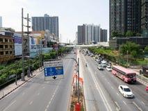 Voiture de route principale, Thapra Bangkok Thaïlande images stock