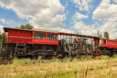 Voiture de service de voie de chemin de fer fixant et réparant le chemin de fer dans r Image stock