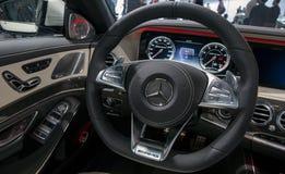 Voiture de sport intérieure de Mercedes AMG SLS de tableau de bord Images stock