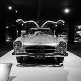 Voiture de sport Mercedes-Benz 300SL W198 Centre de Heydar Aliyev, Photos libres de droits