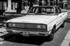 Voiture de taille moyenne Dodge Coronet, 1967 Rebecca 36 Photo stock