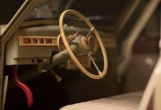 Voiture de volant rétro Images libres de droits