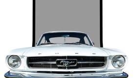 Voiture deux-volumes 1965 de mustang de Ford Photographie stock libre de droits