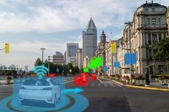 Voiture Driverless des véhicules à moteur intelligente d'Iot avec le cartel d'intelligence artificielle avec la technique d'appre photographie stock