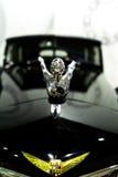 Voiture exclusive Cadillac de vintage sur des roues avec des rais Moscou, Russie - 22 10 2016 Musée d'équipement militaire et de  Photo libre de droits