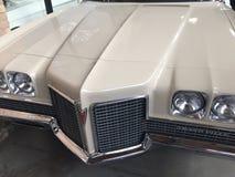Voiture grande de vintage de Pontiac Ville image stock