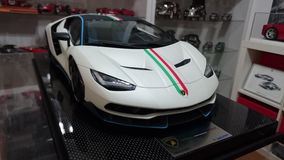 Voiture modèle d'échelle de Lamborghini Centenario Tricolore Photo libre de droits