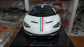 Voiture modèle d'échelle de Lamborghini Centenario Tricolore Photos libres de droits