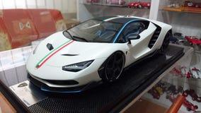 Voiture modèle d'échelle de Lamborghini Centenario Tricolore Images libres de droits