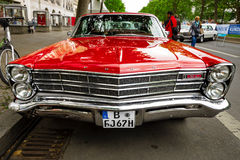 Voiture normale Ford Galaxie 500/XL, 1967 Images stock