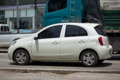 Voiture privée Nissan March d'Eco Photos stock