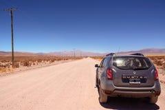 Voiture Renault Duster sur le Ruta 40 ex dans la province de Jujuy Photos stock