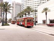Voiture rouge à la Nouvelle-Orléans, image libre de droits