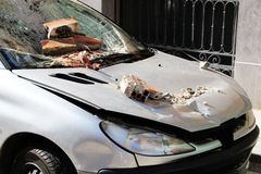 Voiture très endommagée, brisé, garée Photographie stock libre de droits