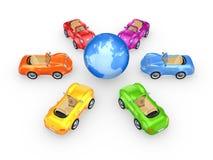 Voitures colorées autour de globe. Images stock