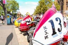 Voitures de course de vintage dans le salon automobile classique le jour 2013 d'Australie Photographie stock libre de droits