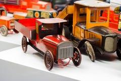 Voitures de jouet de bidon Images stock