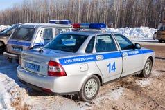 Voitures de patrouille russes de l'inspection d'automobile d'état dans le wint Images libres de droits