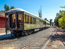 Voitures de tourisme de chemin de fer sur la voie de garage Image libre de droits