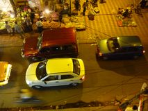 voitures et marchés en plein air courants Photo stock