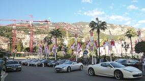 Voitures luxueuses près de Monte Carlo Casion photo libre de droits