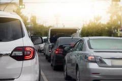 Voitures sur la route par l'embouteillage Images libres de droits