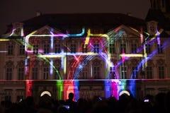Voix des figures videomapping léger à la vieille place de villes à Prague pendant le festival 2016 de signal lumineux Images libres de droits