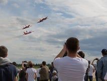 Vol acrobatique aérien d'équipe de Swifts Image stock