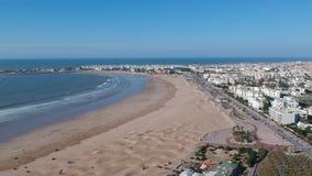 Vol au-dessus d'un Kasbah et Médina au Maroc avec le bourdon clips vidéos