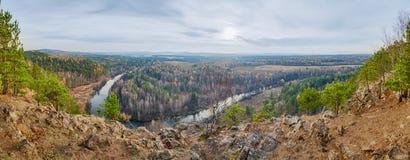 Vol au-dessus de forêt d'automne Photos libres de droits