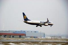 Vol au-dessus de l'aéroport Chopin Image stock