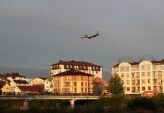 Vol au-dessus de la ville Photo stock