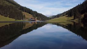 Vol au-dessus de Steirischer Bodensee, Autriche clips vidéos