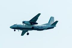 Vol AN-26B de société de cargaison d'Utair Photos libres de droits