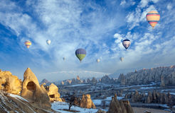 Vol chaud de ballon à air au-dessus de Cappadocia Photo stock