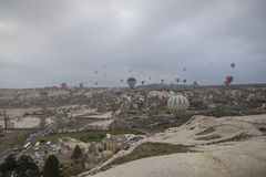 Vol chaud de ballon à air au-dessus de Cappadocia Turquie Photo libre de droits