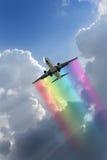 Vol d'arc-en-ciel image libre de droits