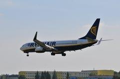 Vol d'avion de Ryanair Image libre de droits