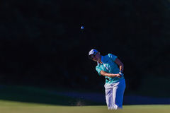 Vol de bille de fille de golf   Photos stock