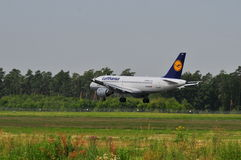 Vol de Lufthansa Photos stock