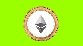 Vol de pièce de monnaie d'Ethereum en air sur le fond vert banque de vidéos