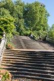 Vol des escaliers en pierre majestueux Photographie stock