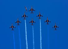 Vol en formation de Patrouille de France Photo stock
