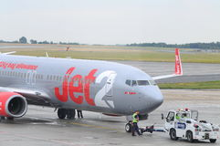 Vol Jet2 bon marché Photos libres de droits