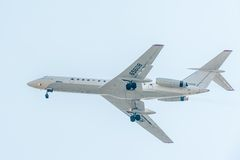 Vol Tu-134 de société d'Utair Photographie stock
