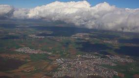 Volando attraverso le nuvole