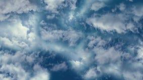 Volando nelle nuvole in tempo calmo e normale illustrazione di stock