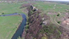 Volando sobre el río, la roca metrajes