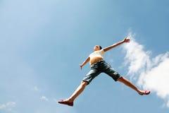 Volando su in cielo immagini stock